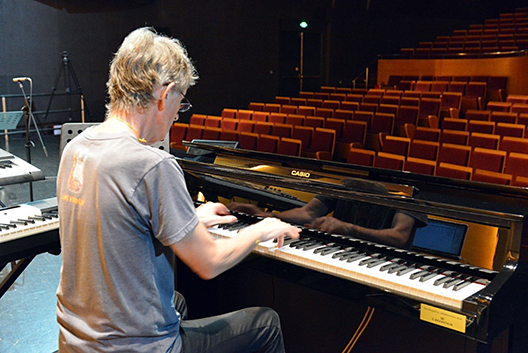 卡西欧电子钢琴