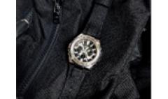 卡西欧官方商城 坚韧科技,刚柔并济   GST-W330C诠释时尚与成熟