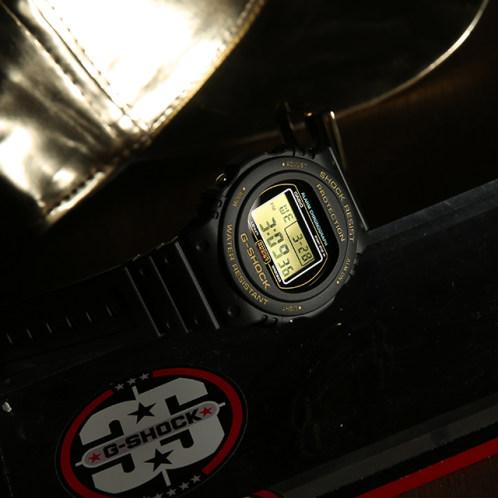 卡西欧手表 G-SHOCK  经典初代配色 防水防震多功能运动男表DW-5735D-1B