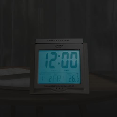 卡西欧钟表 台式闹钟  学生儿童闹表卧室床头静音液晶多功能闹钟DQ-750F-7PF