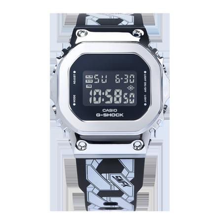 卡西欧手表 G-SHOCK 【新品】SMFK联名款 特殊礼盒包装 金属表壳设计 防水防震表款GM-S5600-1PRS